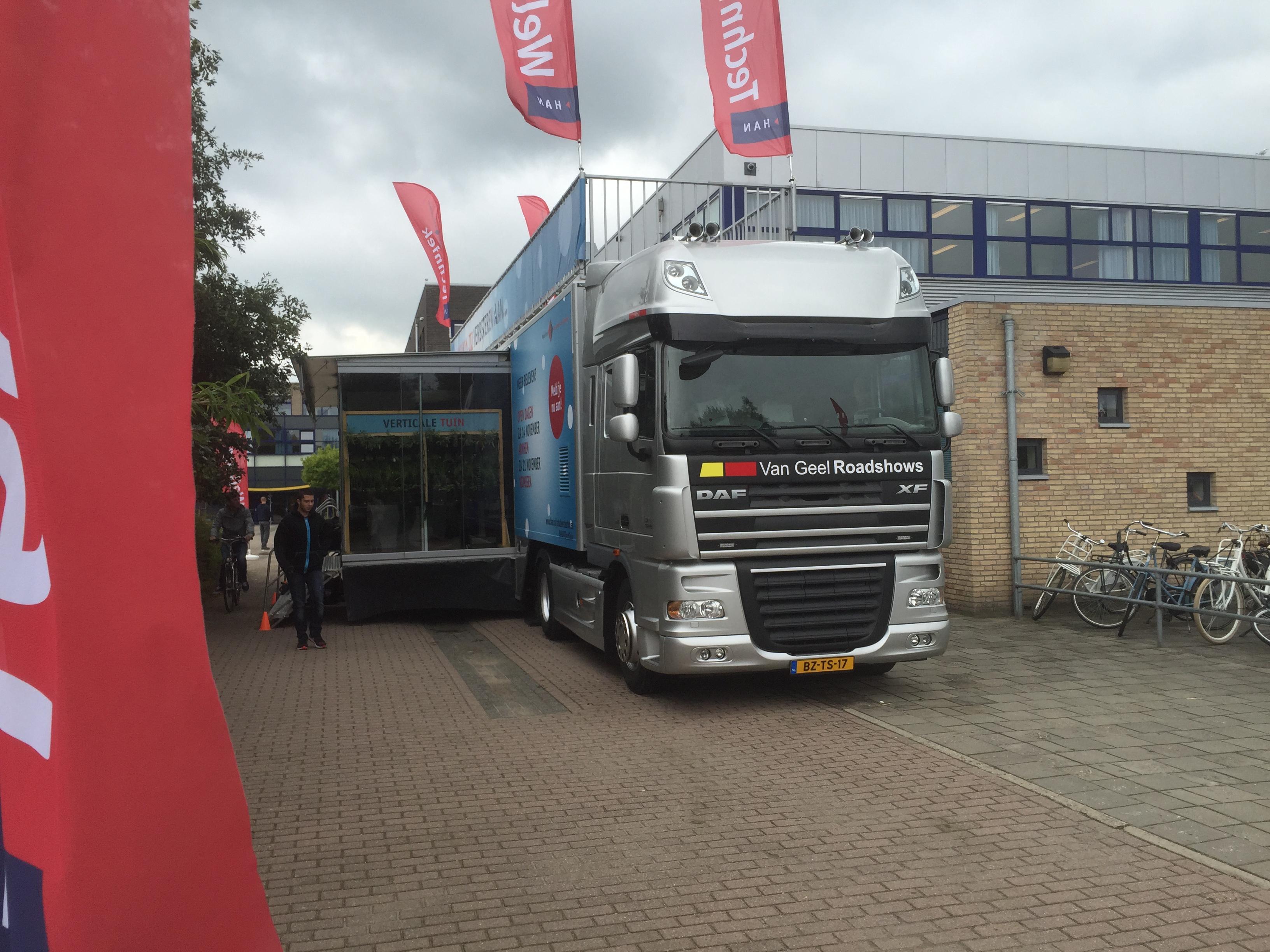 HAN tourt weer met de Tech Truck